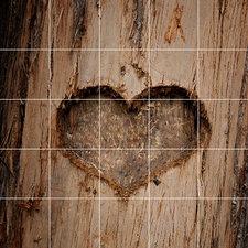 Foto tegelsticker 15x15 'Houten hart gekerfd' 75x75 cm hxb